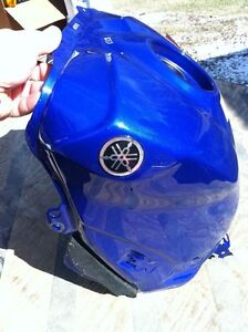 YAMAHA R1 07-08 GAS TANK AND COVER Windsor Region Ontario image 5
