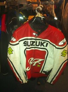 30% TO 35% OFF NEW MOTORCYCLE JACKETS AND RACING SUITS Windsor Region Ontario image 1