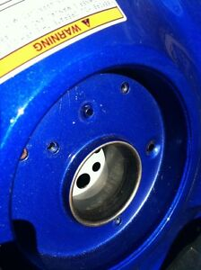 YAMAHA R1 07-08 GAS TANK AND COVER Windsor Region Ontario image 9
