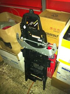 YAMAHA R6 09 COMPLETE SET OF BODY WORK INCLUDING THE FUEL TANK Windsor Region Ontario image 9
