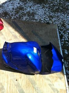 YAMAHA R1 07-08 GAS TANK AND COVER Windsor Region Ontario image 2