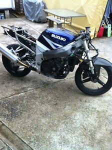 PARTING OUT A SUZUKI GSXR750 2001