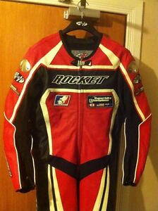 PROFESSIONAL JOE ROCKET ONE PIECE PACING SUIT WITH THE HUMP Windsor Region Ontario image 2