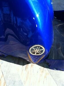 YAMAHA R1 07-08 GAS TANK AND COVER Windsor Region Ontario image 7
