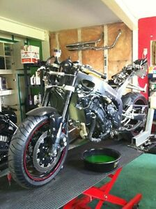 PARTING OUT 2005 YAMAHA R1 RAVEN EDDITION