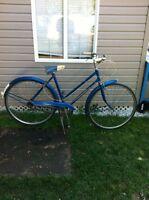 Bicycle,velo,bicyclette,remorque. (514) 991-3317