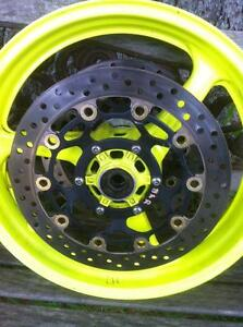 CBR600RR HONDA 03-06 SET OF STOCK WHEELS WITH DISKS/ROTORS Windsor Region Ontario image 3