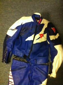 DAINESE 2 PARTS RACING SUIT SIZE 52/42 IN VERY GOOD CONDITION Windsor Region Ontario image 2