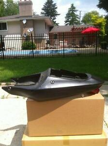 SUZUKI GSXR1000 01-02 TAIL SECTION TAIL LIGHT AND SOLO SEAT Windsor Region Ontario image 2