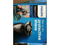 Philips S5420/06 Series 5000 AquaTouch Electric Shaver