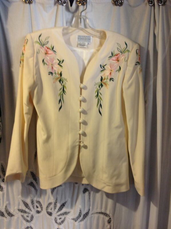 Saks Fifth Avenue Folio Collection Cream Silk embroidered suit size 8