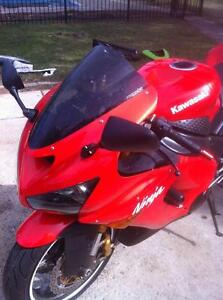 PARTING OUT A RARE 2005 KAWASAKI ZX636R IN EXCELENT CONDITION Windsor Region Ontario image 9