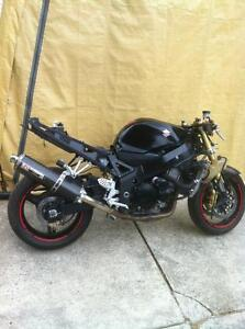 GSXR750 04-05  SUZUKI  TRACK BIKE OR PARTING OUT WITH EXTRAS Windsor Region Ontario image 1
