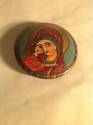 Vintage Hand Painted Russian Pin Brooch Black Lacquer Art Jewelry