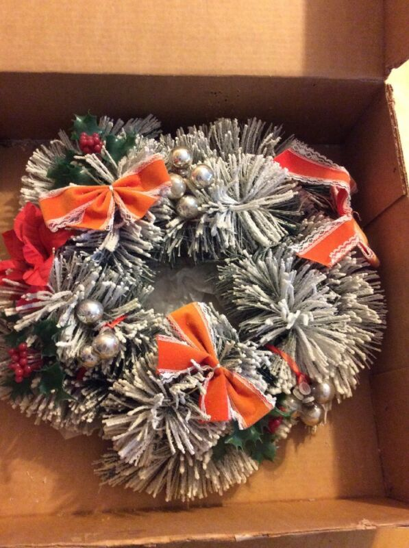"""VINTAGE CONSOLIDATED NOVELTY CO. LARGE 16 """" WREATH ORIGINAL BOX"""