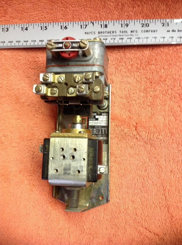 Square D Pneumatic Timing Relay 9050 Series D