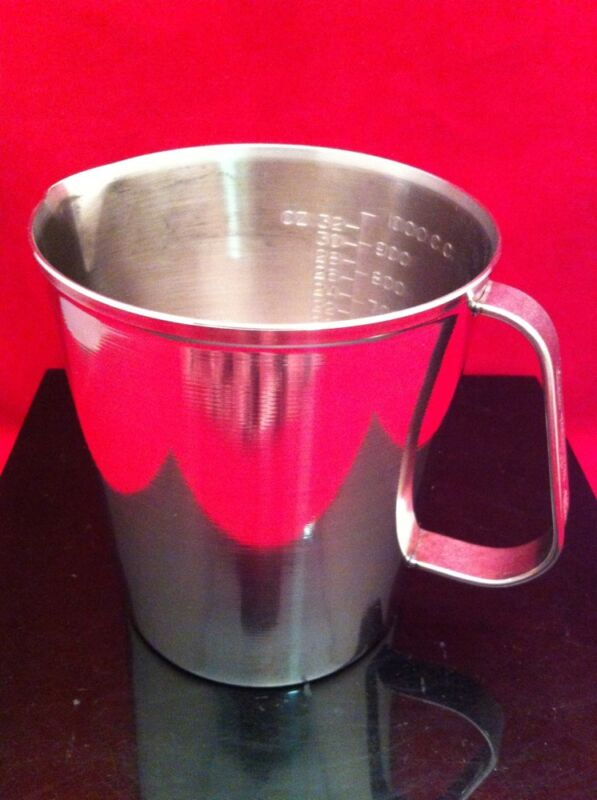 Used Vollrath Graduated Liquid Measuring Cup 32oz 1000cc Stainless Steel 95320