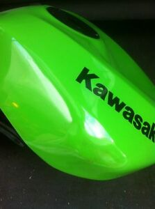 KAWASAKI ZX10R 2008-10 GAS/FUEL TANK WITH RACING CAP & FUEL PUMP Windsor Region Ontario image 6