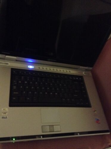 Toshiba Qosmio G15-AV501 For Parts Only