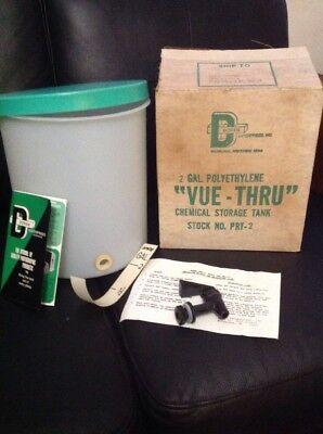 Doran Vue-Thru 2 Gallon Polyethylene Chemical Storage Tank NEW OLD STOCK