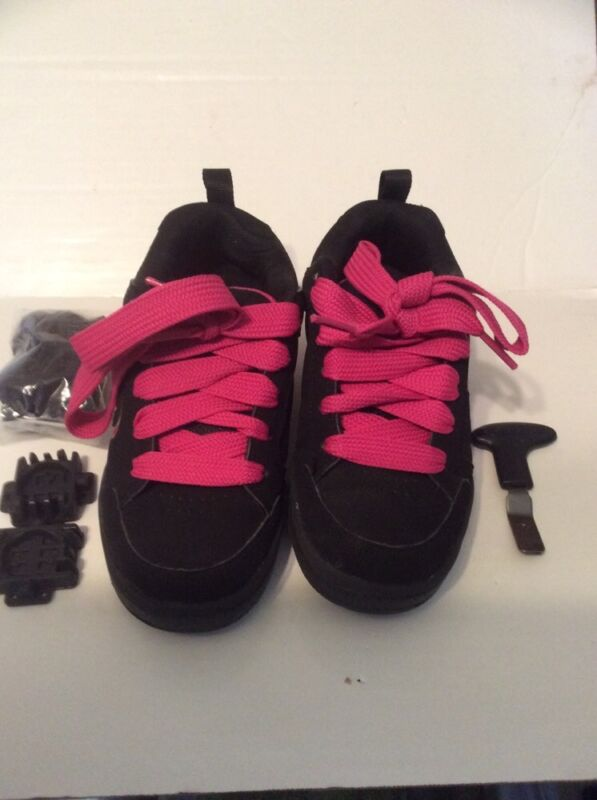 HEELYS CHARISMA 7431 Black / Pink Roller Skate Shoes Youth Size 2  LIGHTLY USED