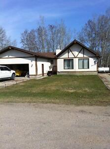 Cabin rental on beautiful golf course minutes from the lake