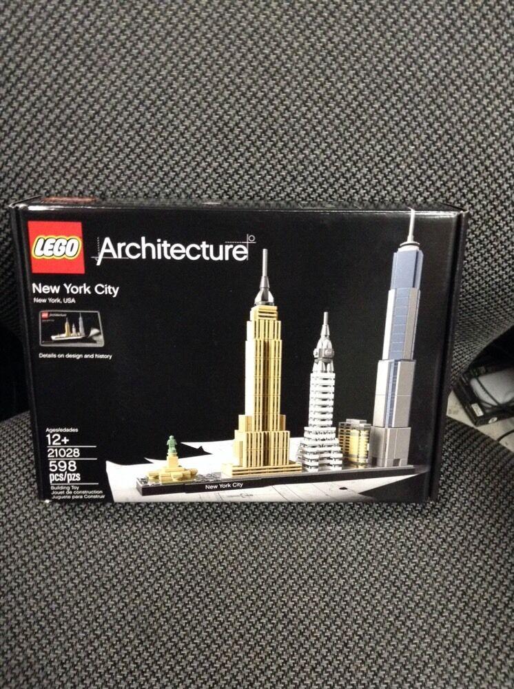 Lego - 100% Genuine Brand New Sealed LEGO Architecture New York City 21028