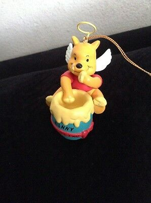 Grolier Collectibles Disney Christmas Ornaments: Winnie the Pooh (DCA 004904)