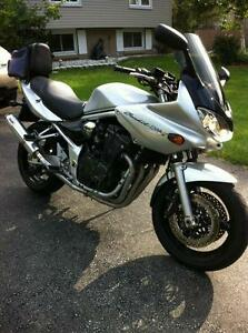 PARTING OUT A 2005 SUZUKI BANDIT 1200 WITH OVER $1500 IN EXTRAS