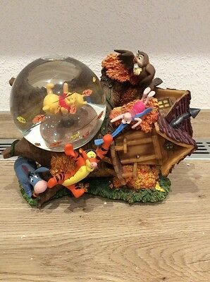Disney Winnie the Pooh Musical Tree Globe. New