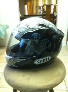 SHOEI TC-1100 HELMET IN VERY GOOD CONDITION SIZE L Windsor Region Ontario image 3