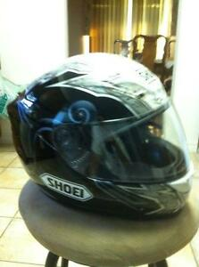 SHOEI TC-1100 HELMET IN VERY GOOD CONDITION SIZE L Windsor Region Ontario image 9