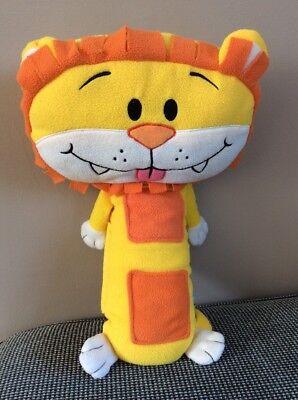 Seat Pets - Childrens Car Seat Belt Lion Soft Toy Pet Travel Pillow - Lion