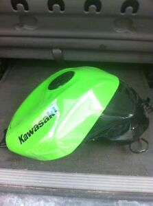 KAWASAKI ZX10R 2008-10 GAS/FUEL TANK WITH RACING CAP & FUEL PUMP Windsor Region Ontario image 5