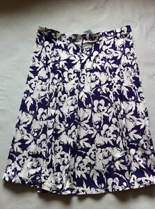BNWT Ladies Size 18, Purple Multi Fully Elasticated Skirt With Stretch