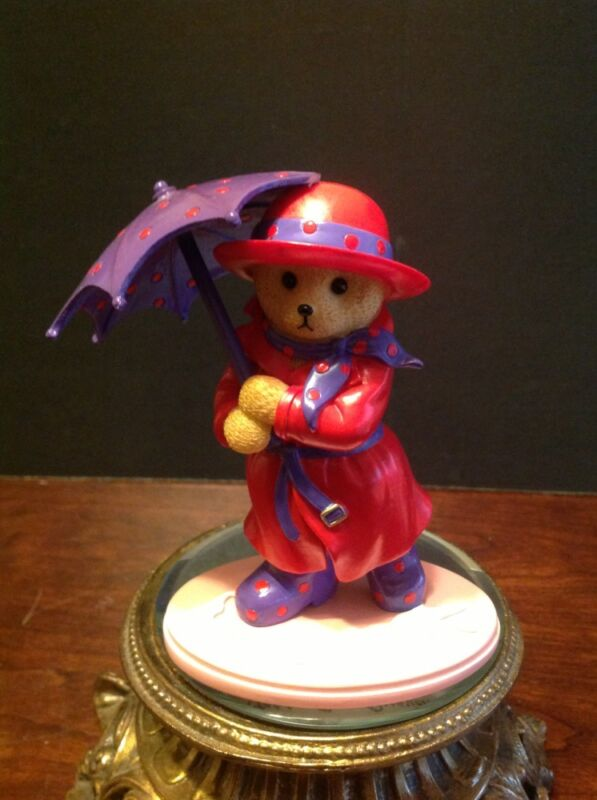 """Red Hat Society Happy Hatters Collection """"A Hat For Every Occasion"""" 2006 Figure"""