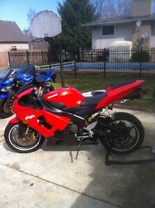 PARTING OUT A RARE 2005 KAWASAKI ZX636R IN EXCELENT CONDITION Windsor Region Ontario image 3