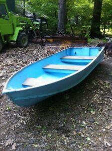 Aluminum boat v hull row boat fishing 3 person ebay for 3 person fishing boat