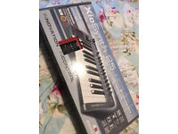 Novation XioSynth 25 - 2-Octave Synthesizer & Audio USB Controller Keyboard