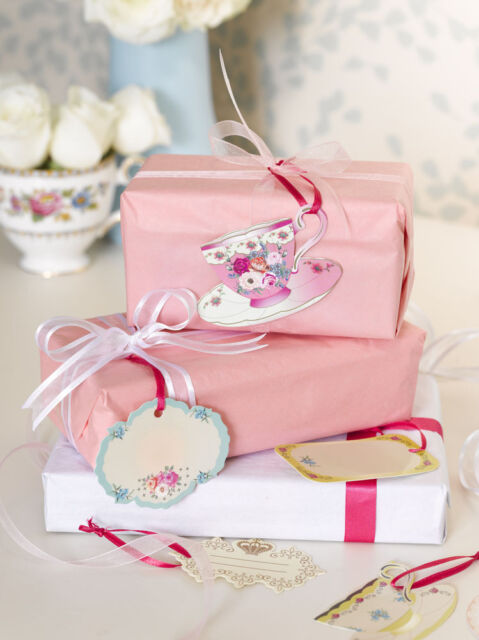 Alice in Wonderland Style Vintage Floral Teacup Gift Tags / Place Cards x 24