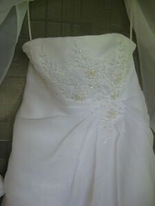 Wedding Dress - Private Collection ($275) Sarnia Sarnia Area image 4