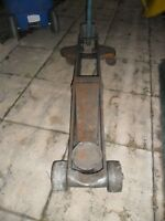 Floor Jack-Heavy Duty-Requires Cylinder