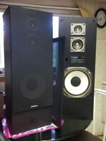 Redused Pair of Fisher speakers