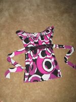 BEAUTIFUL WOMEN'S SIZE SMALL TOP FROM BRYAN'S