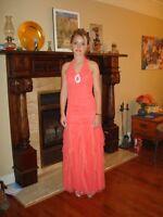 Très jolie robe de bal Corail!!!