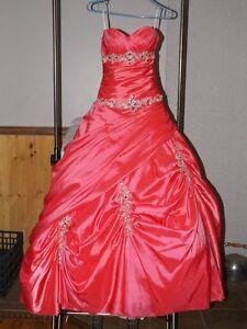 Robe de Bal (style princesse,cendrillon) Laval / North Shore Greater ...