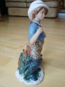 "Nadal Handcrafted Spanish Porcelain - Fisherwoman 11"" Kitchener / Waterloo Kitchener Area image 4"