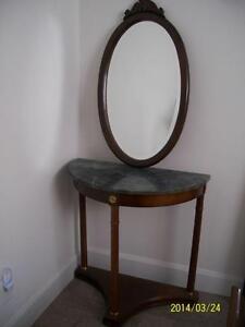 Miroir ovale sur pied acheter et vendre dans qu bec for Miroir kijiji