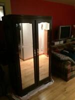 Vintage armoire in ok condition
