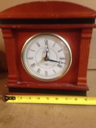 Bulova Mantle Clock Quarts Chime Battery Operated Works Made In Japan